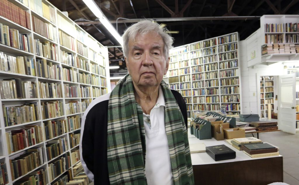 Larry McMurtry, author of 'Lonesome Dove' and 'The Last Picture Show', dies